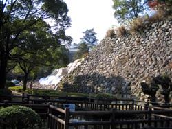 石垣と高知城