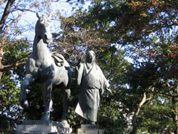 千代の銅像
